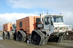 Cgg tracked vehicle at deadhorse alaska
