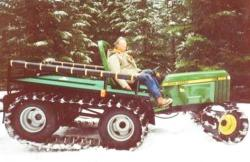 J. Deere tractor with track system of D. Hansen