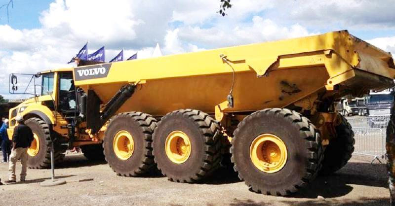 8x8 And More Wheeled Articulated Vehicles Heavy